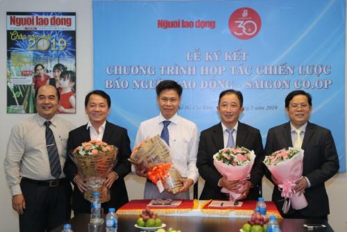 Báo Người Lao Động và Saigon Co.op ký kết chương trình hợp tác chiến lược - Ảnh 1.