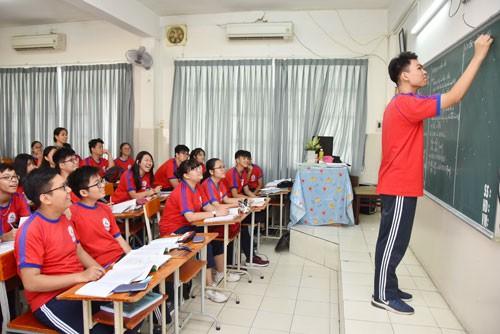 Tuyển sinh lớp 10 Tại TP HCM: Giảm mạnh nguyện vọng vào trường tốp đầu - Ảnh 1.