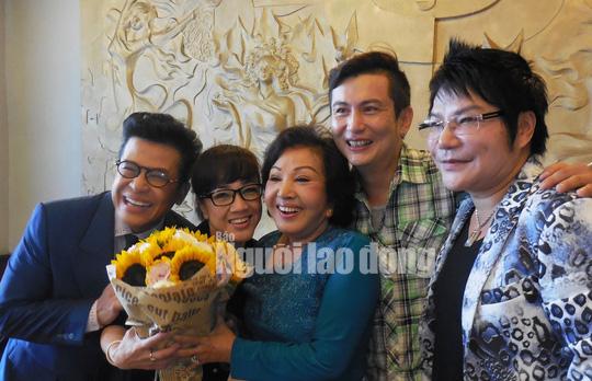 Nghệ sĩ Hồng Nga trải lòng khi nghe MC Quyền Linh muốn rời khỏi showbiz - Ảnh 2.