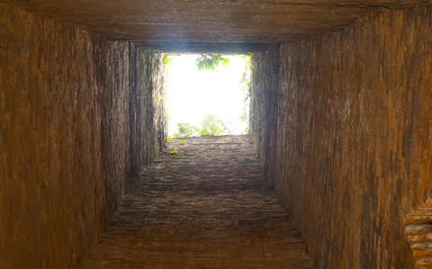 Tháp cổ nghìn năm ở miền đất Võ, trời Văn - Ảnh 8.