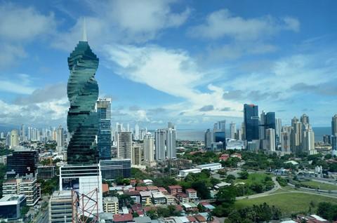 Khám phá 10 tòa tháp xoắn ốc đẹp ấn tượng thế giới - Ảnh 2.