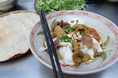 Những quán ăn trên đường từ Đà Nẵng đi Nha Trang - Ảnh 1.