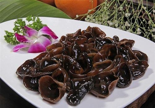 Những món ăn để qua đêm dễ gây ung thư, người Việt tiếc của hay giữ lại - Ảnh 1.