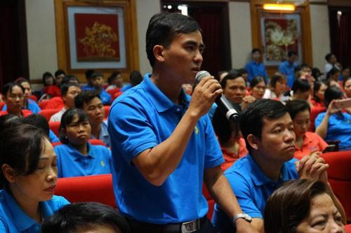 Vĩnh Phúc: Lãnh đạo tỉnh đối thoại với công nhân, lao động - Ảnh 1.