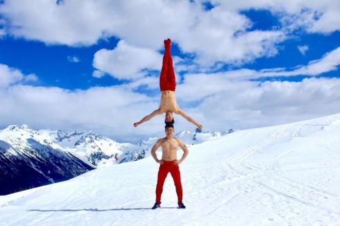 Quốc Cơ - Quốc Nghiệp biểu diễn giữa cái lạnh âm 10 độ C ở Canada - Ảnh 4.