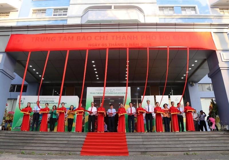 TP HCM khánh thành Trung tâm Báo chí đầu tiên ở Việt Nam - Ảnh 1.