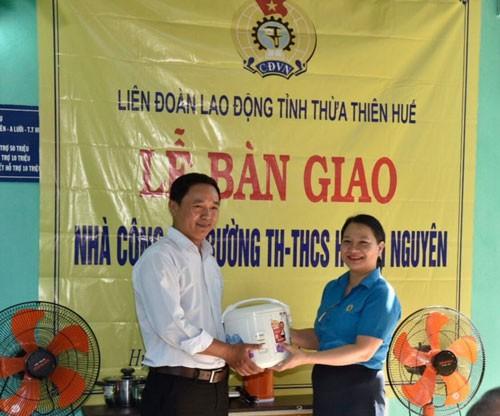 Thừa Thiên - Huế: Trao nhà công vụ cho giáo viên - Ảnh 1.