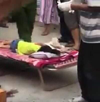 Bé 3 tuổi bị xe đưa đón của trường mầm non tông tử vong - Ảnh 1.