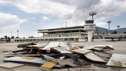 8 sân bay bỏ hoang đáng sợ nhất thế giới - Ảnh 12.