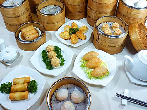 Khách Việt thích ẩm thực nước nào nhất trên đường du lịch? - Ảnh 1.