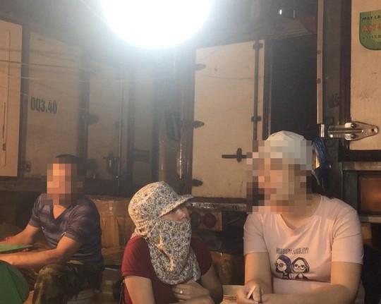 Rút khỏi Giải Báo chí Quốc gia tác phẩm Thâm nhập băng nhóm bảo kê ở chợ Long Biên - Ảnh 2.