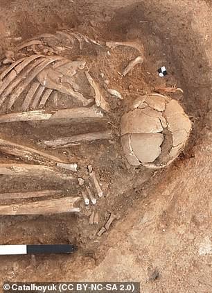 Hài cốt 9.000 năm tiết lộ lời nguyền thành phố cổ - Ảnh 3.