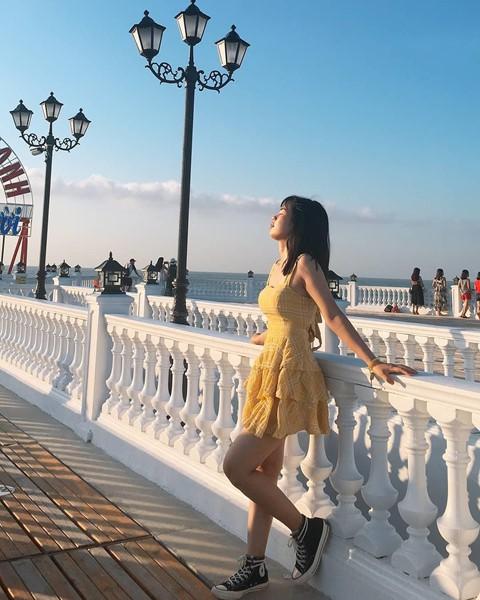 Check-in liền tay cầu cảng Hải Tiến đẹp tựa trời Tây ở Thanh Hoá - Ảnh 1.