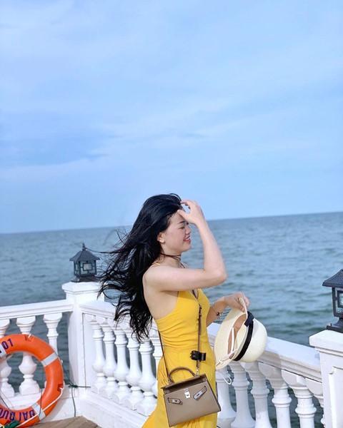 Check-in liền tay cầu cảng Hải Tiến đẹp tựa trời Tây ở Thanh Hoá - Ảnh 2.