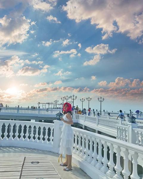 Check-in liền tay cầu cảng Hải Tiến đẹp tựa trời Tây ở Thanh Hoá - Ảnh 14.