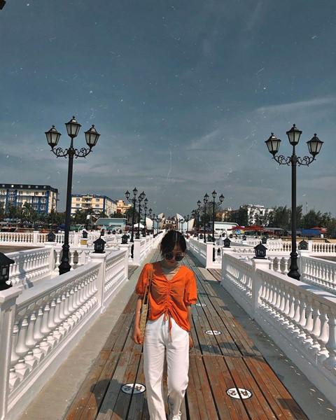 Check-in liền tay cầu cảng Hải Tiến đẹp tựa trời Tây ở Thanh Hoá - Ảnh 4.