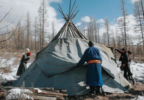 Cuộc sống dưới cánh đại bàng của người dân Mông Cổ - Ảnh 2.