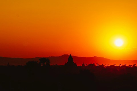 Tiếng vó ngựa len lỏi giữa những khu đền ở Myanmar - Ảnh 6.