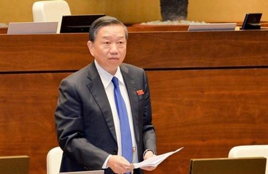 Sáng nay, Bộ trưởng Bộ Công an Tô Lâm ngồi ghế nóng trả lời chất vấn - Ảnh 1.