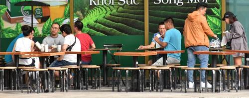 Chuỗi cà phê Việt trỗi dậy - Ảnh 1.