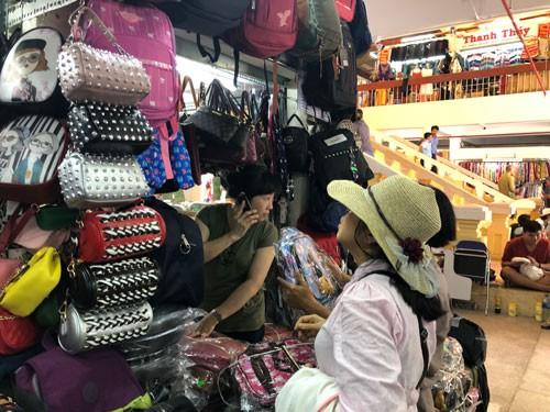 TP HCM giao quận - huyện tự quyết phí bán hàng tại chợ - Ảnh 1.