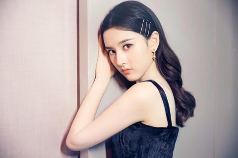 Những sao nhí dậy thì thành công của showbiz Trung Quốc - Ảnh 13.