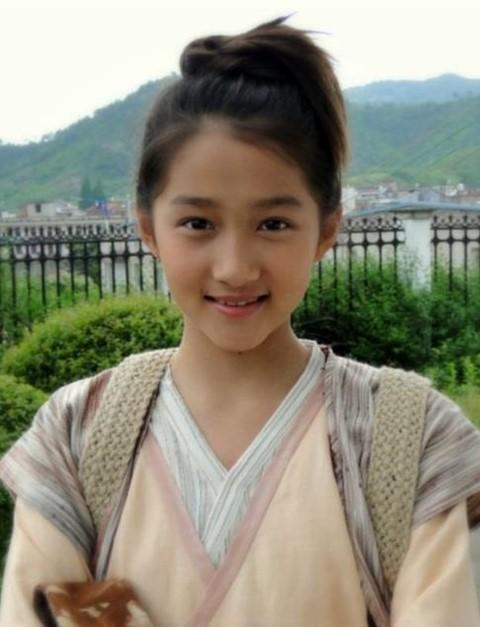 Những sao nhí dậy thì thành công của showbiz Trung Quốc - Ảnh 7.