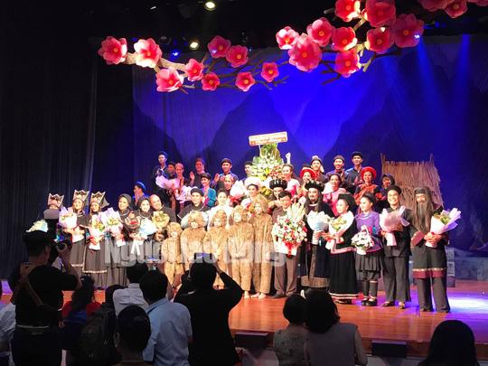 Đông ngôi sao sân khấu đến chiêm ngưỡng Chuyện tình Khau Vai - Ảnh 3.