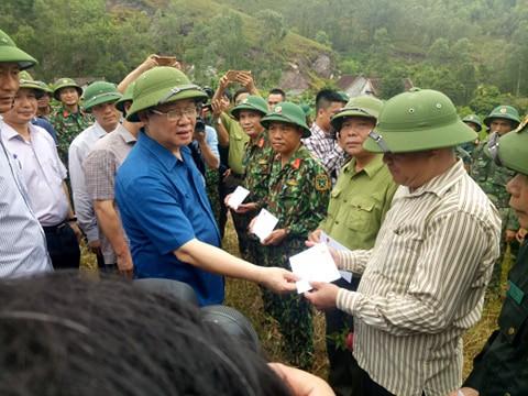 Phó Thủ tướng lý giải vì sao chưa dùng trực thăng chữa cháy rừng? - Ảnh 3.