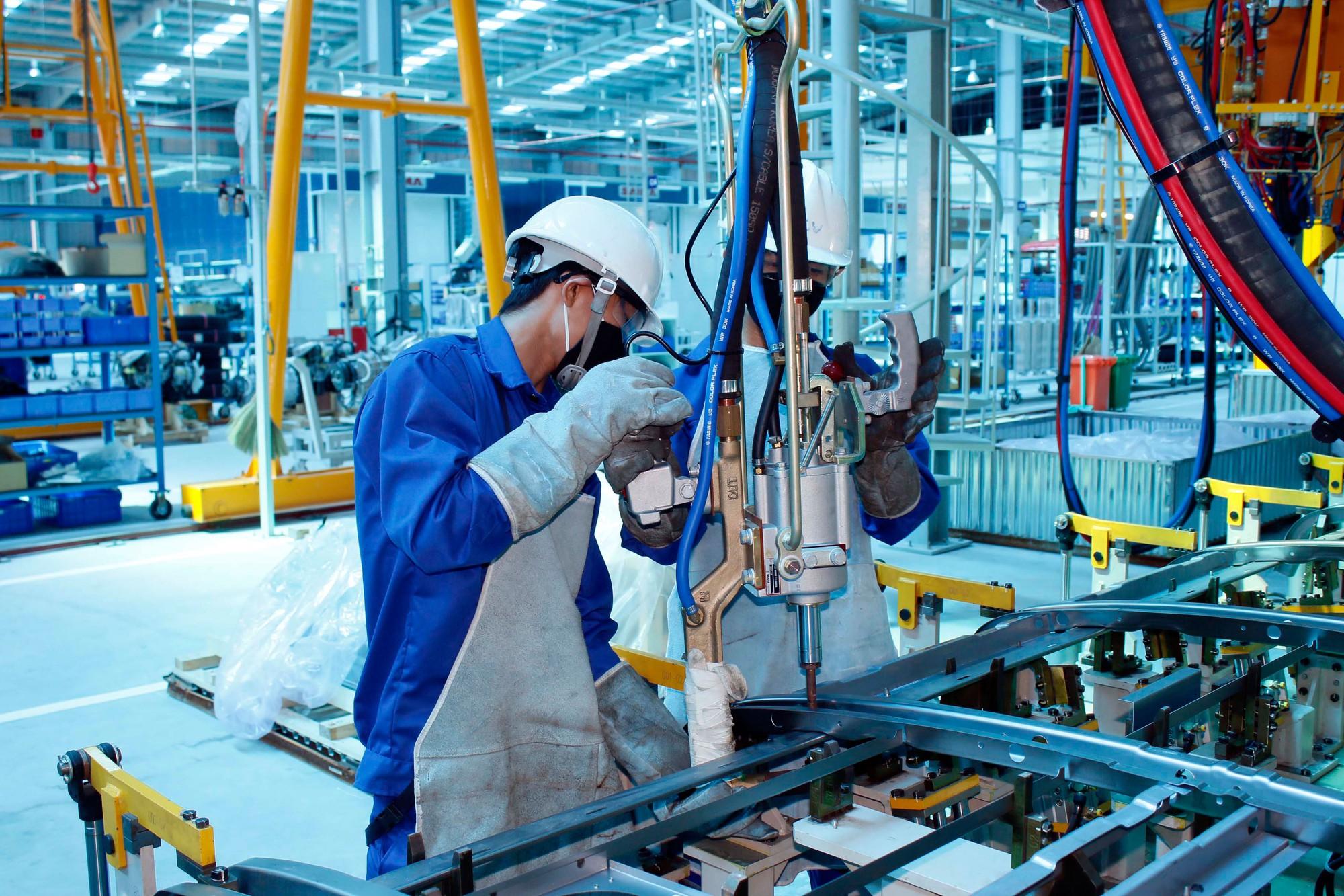 Người lao động không phải là những cỗ máy - Báo Người lao động