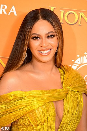 """Siêu sao Beyonce diện đầm Công Trí ra mắt phim """"Vua sư tử"""" - Ảnh 3."""
