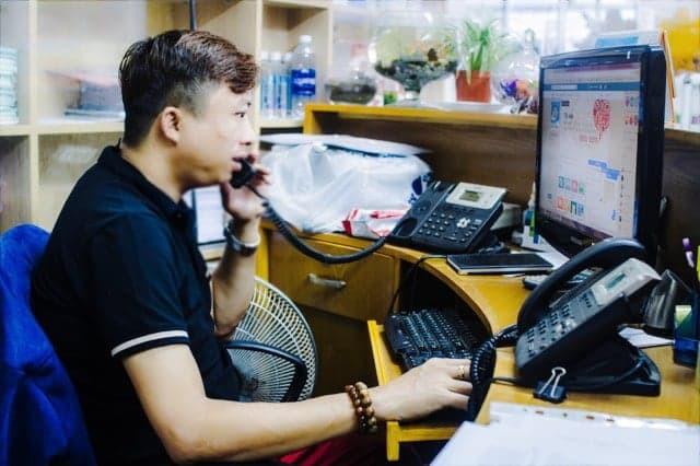 [eMagazine] - Chuyện của Phong, người tiên phong phòng, chống HIV/AIDS - Ảnh 11.