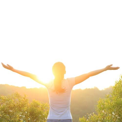 9 thói quen trước khi đi ngủ giúp bạn khỏe mạnh và yêu đời - Ảnh 3.
