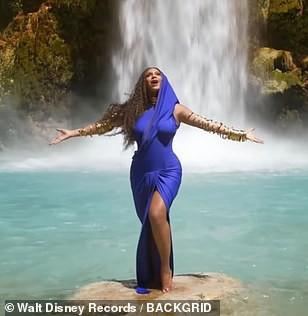 Ong chúa Beyonce được ngợi khen với thời trang sặc sỡ - Ảnh 6.