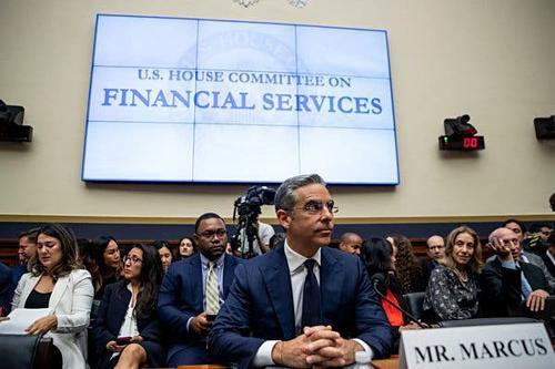 """Nghị sĩ Mỹ muốn Facebook """"bức tử"""" tiền ảo Libra - Ảnh 2."""