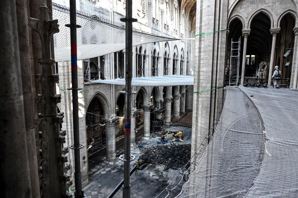 Nhà thờ Đức Bà Paris vẫn chưa đủ an toàn để được trùng tu  - Ảnh 6.