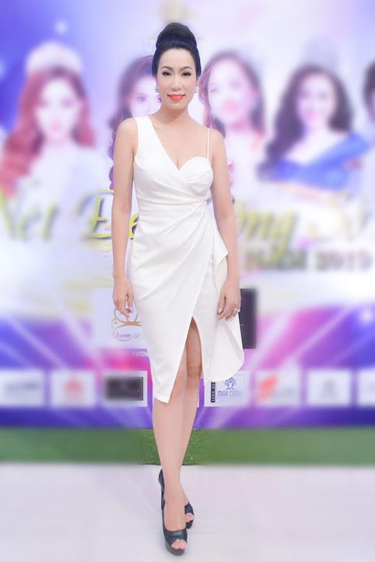 Á hậu Trịnh Kim Chi ngồi ghế nóng Nét đẹp công sở 2019 - Ảnh 1.