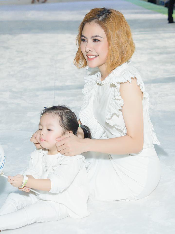 [eMagazine] Vân Trang: Giải Mai Vàng là dấu son quý giá trong sự nghiệp của tôi! - Ảnh 12.