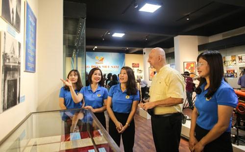 Sôi nổi hoạt động kỷ niệm 90 năm ngày thành lập Công đoàn Việt Nam - Ảnh 1.