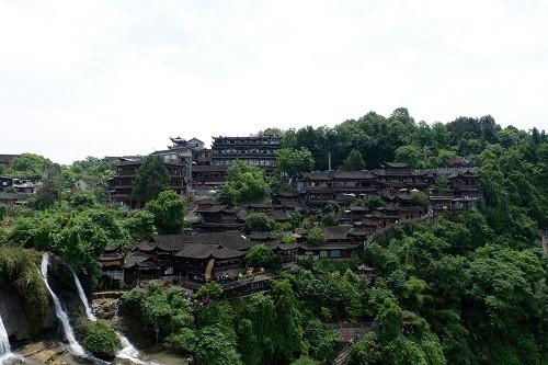 Cô gái Việt bật mí 48 giờ khám phá hai cổ trấn ở Trung Quốc - Ảnh 2.