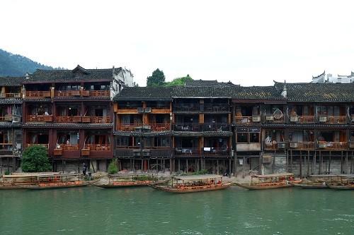 Cô gái Việt bật mí 48 giờ khám phá hai cổ trấn ở Trung Quốc - Ảnh 3.