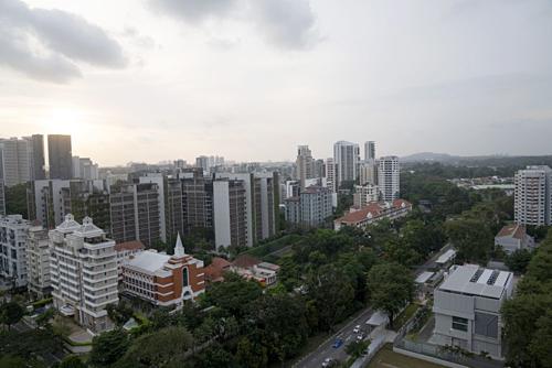 Nhà giàu Singapore tích cực mua nhà cho con để né thuế - Ảnh 1.