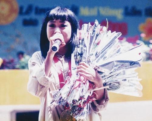Giải Mai Vàng 25 năm: Giá trị vàng của những ca khúc được tôn vinh - Ảnh 1.