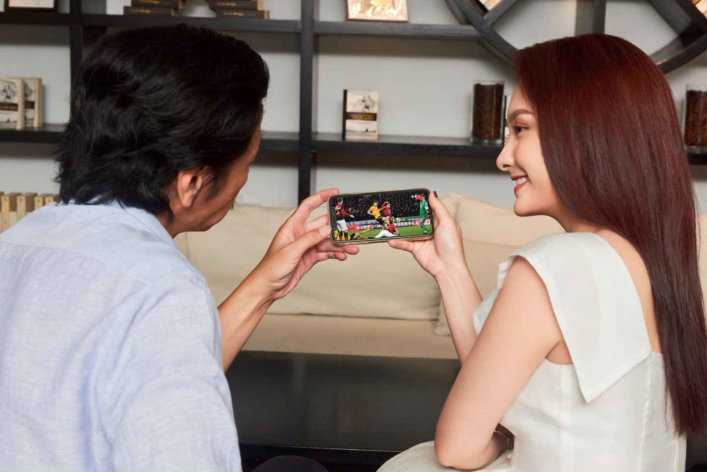 [eMagazine] Diễn viên Trung Anh: Bận đóng phim vẫn phải xem Ngoại hạng Anh - Ảnh 11.