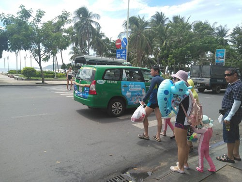Nha Trang hạn chế ôtô, giữ môi trường du lịch - Ảnh 1.