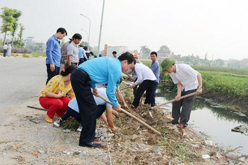Hà Nội: CNVC-LĐ tạo cảnh quan môi trường sạch, đẹp - Ảnh 1.