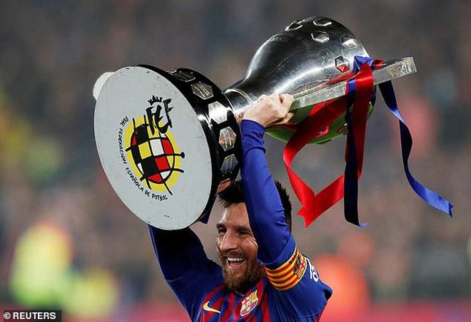 Nhận Chiếc giày vàng thứ 6, Messi tri ân hai nhân vật đặc biệt - Ảnh 5.