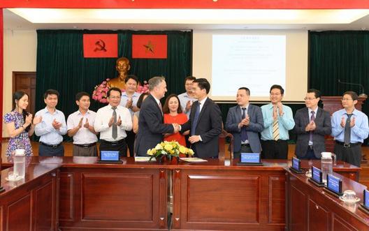 Visa và Sở GTVT TP HCM ký thỏa thuận hợp tác phát triển phương thức di chuyển thông minh - Ảnh 1.
