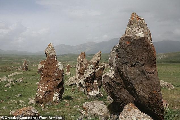 Thạch trận kỳ bí 7.500 năm: chiêm tinh đài hay lăng mộ? - Ảnh 6.