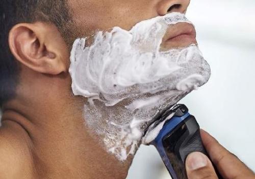 Những lưu ý khi cạo râu phái mạnh nên biết - Ảnh 1.